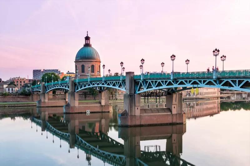 Pont Saint-Pierre à Toulouse avec Adispos VTC